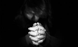 crocefisso preguera mano rosario