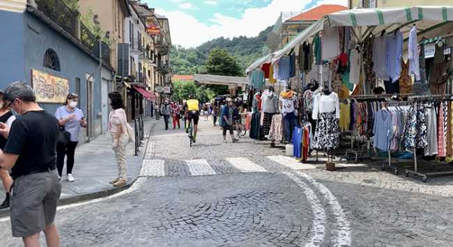 mercato via rosmini estate